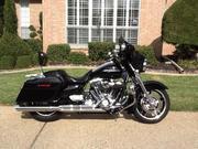 2012 - Harley-Davidson FLHX Black Streetglide
